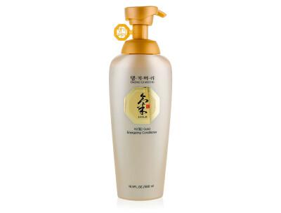 Интенсивный кондиционер для волос Золотая Энергия Daeng Gi Meo Ri Ki Gold Energizing Conditioner, 500мл - Фото №1