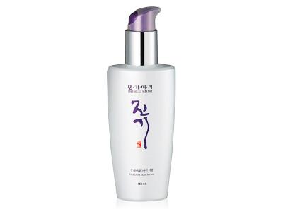 Восстанавливающая сыворотка для поврежденных волос Daeng Gi Meo Ri Vitalizing Hair Serum, 140мл - Фото №1